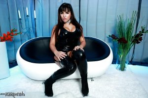 Antonine domina erotische massage nutten Neuruppin